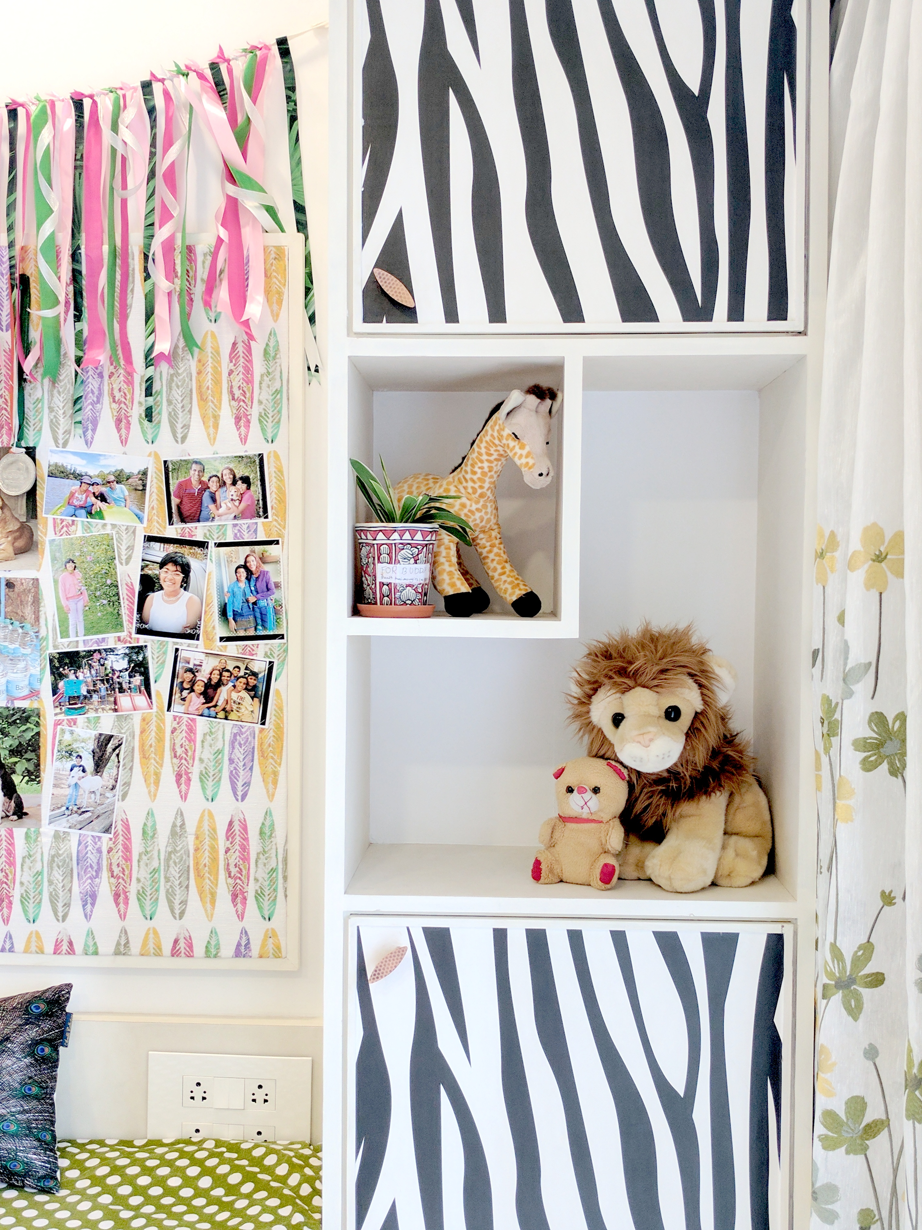 Jungle theme kids room 16 one brick at a time for Jungle theme kids room