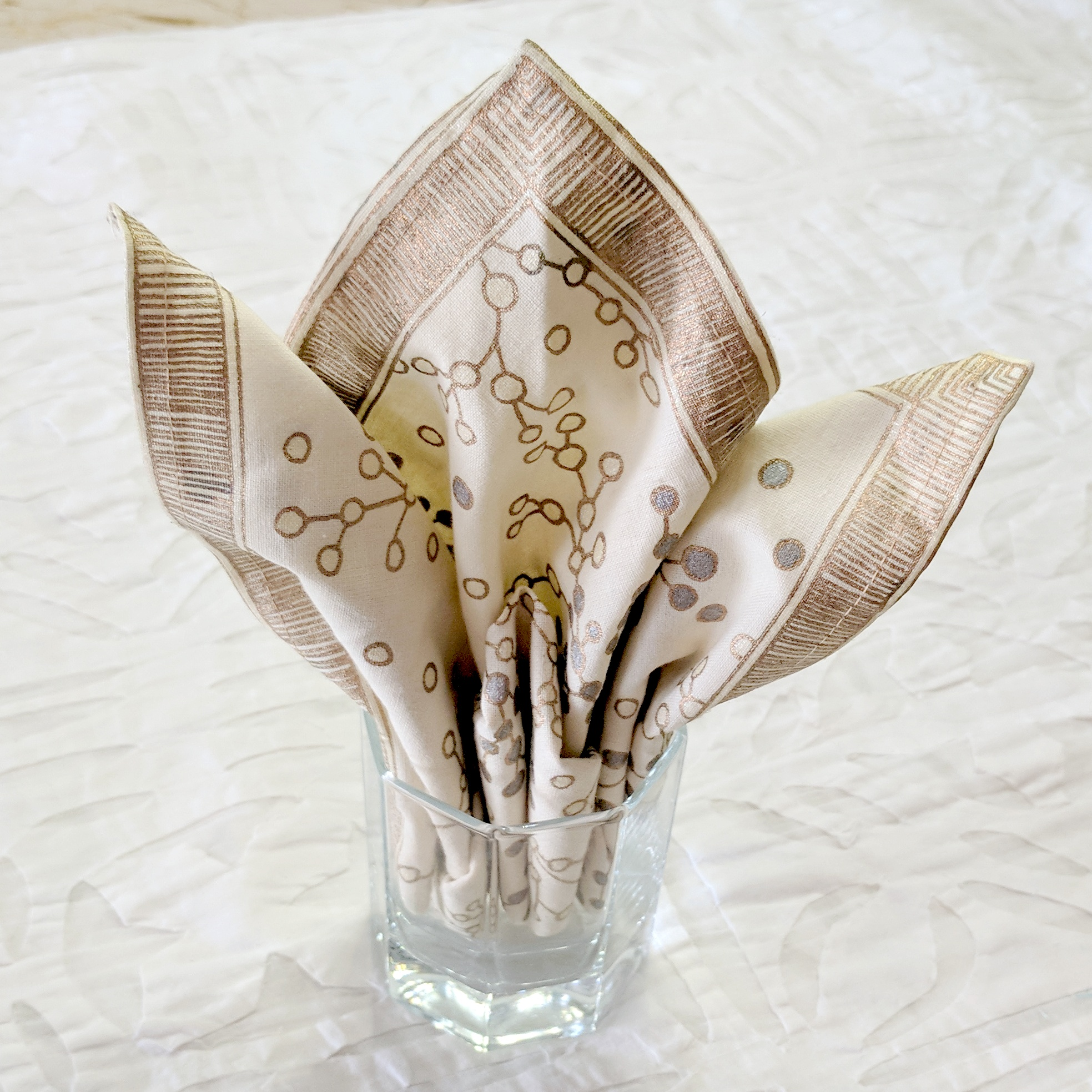 6 Easy Napkin Folding Ideas (34) • One Brick At A Time